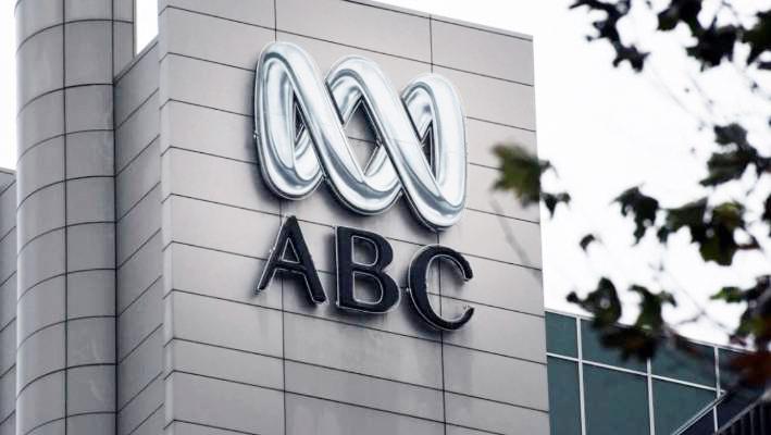پلیس استرالیا به دفتر رادیو و تلویزیون ملی (ایبیسی) یورش برد