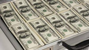 دلار ۶۳۰۰ تومان شد؛ افزایش لحظهبه لحظه بهای دلار و سکه