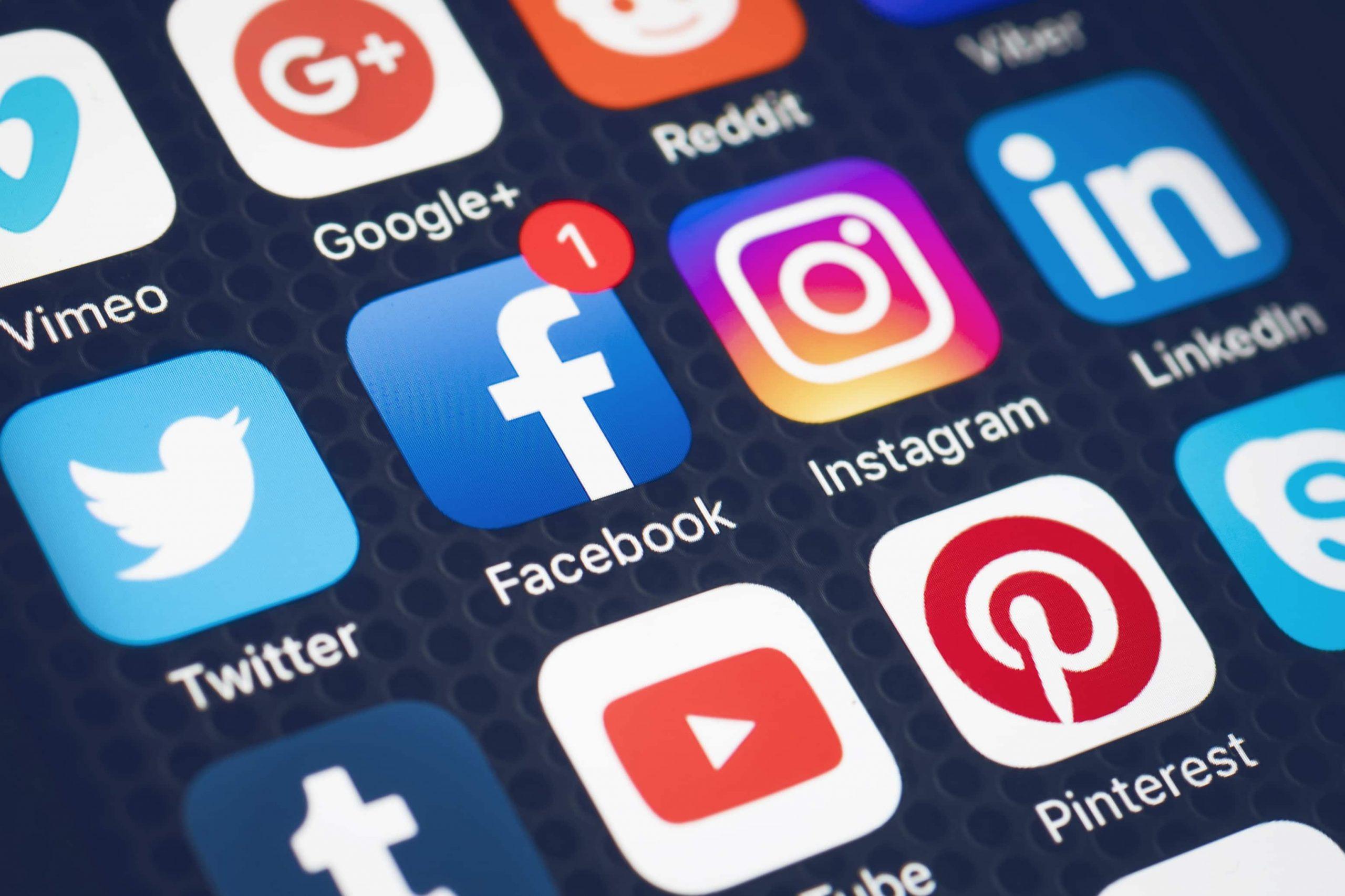 دولت استرالیا، الزام احراز هویت برای استفاده از شبکههای اجتماعی را بررسی میکند