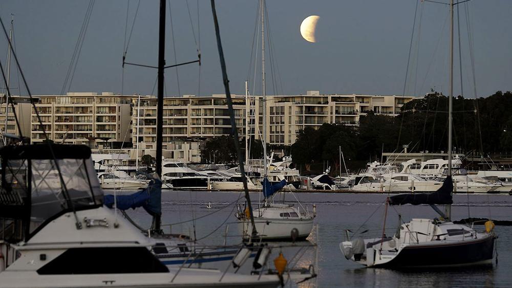 چگونه ماهگرفتگی کامل را چهارشنبه در استرالیا ببینیم