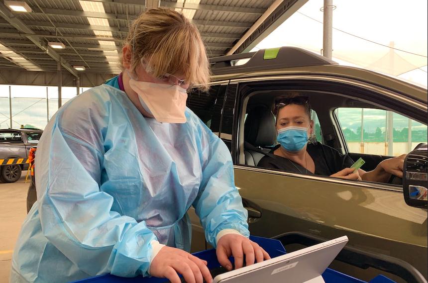 نخستین مرکز واکسیناسیون خودرویی در ملبورن راهاندازی شد