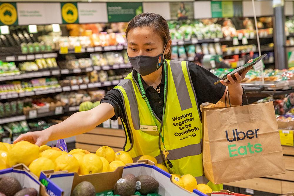 همکاری وولورث و اوبر ایتس؛ تحویل سفارش مواد غذایی تازه در کمتر از 60 دقیقه