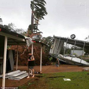 طوفانِ در داروین هزاران خانه را در خاموشی فرو برد