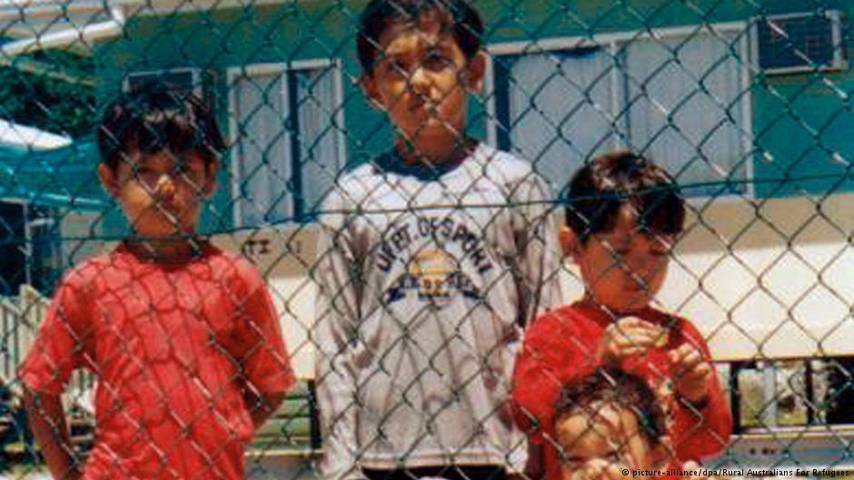 استرالیا کودکان را از اردوگاه نائورو خارج کرد