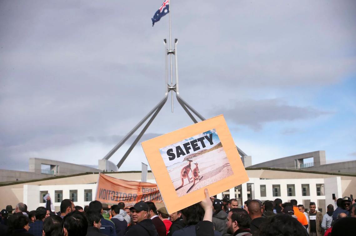 تظاهرات پناهجویان معترض مقابل پارلمان استرالیا