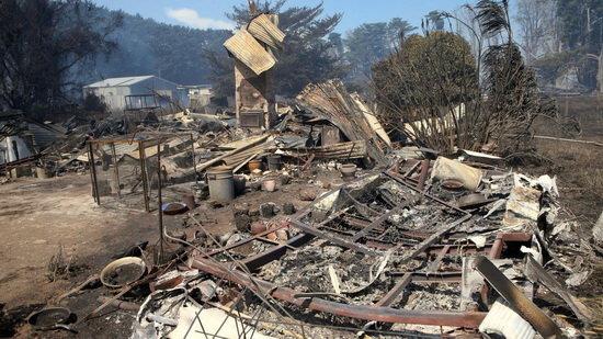 """۷۰ ساختمان در آتش سوزی جنوب """"نیوسات ولز"""" از بین رفت"""