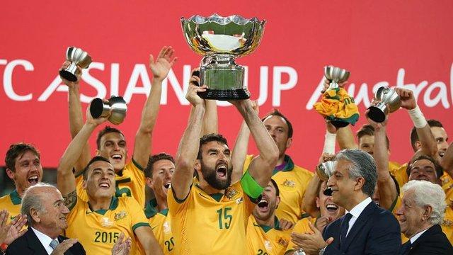 کاپیتان تیم ملی فوتبال استرالیا کفشهایش را آویخت