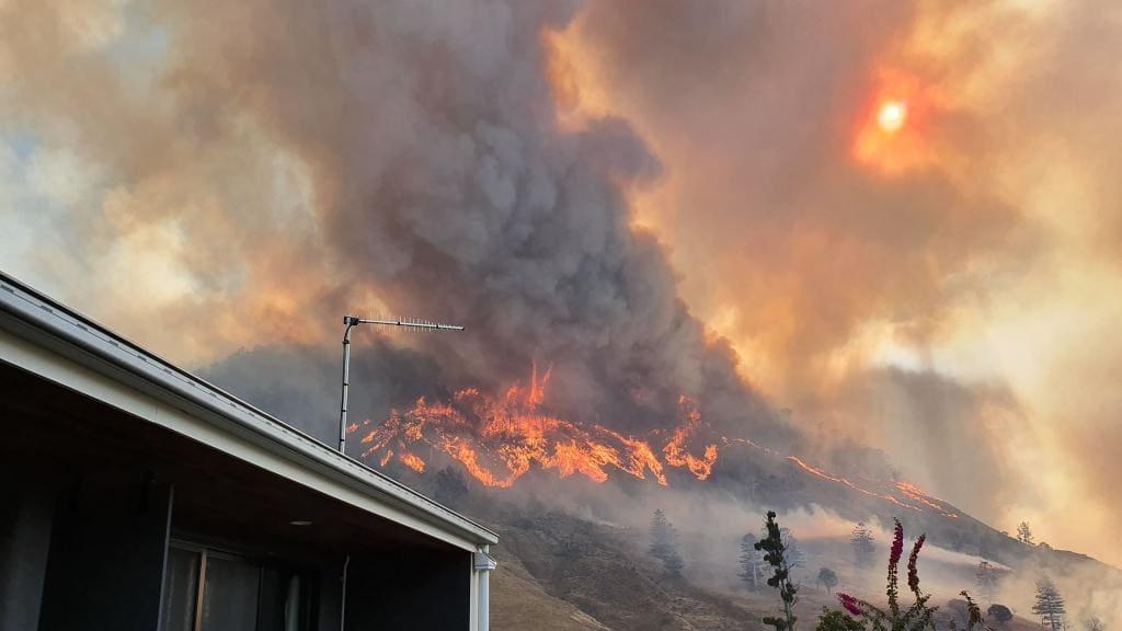 وقوع بیش از ۱۰۰ آتشسوزی طبیعی در کوئینزلند و نیوساوت ولز