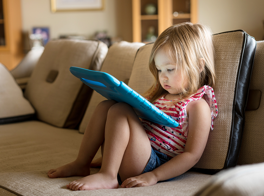 تلفن هوشمند و تبلت معضل والدین