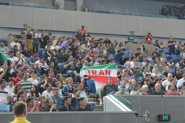 تیم ملی باخت، تماشاگران ایرانی بردند