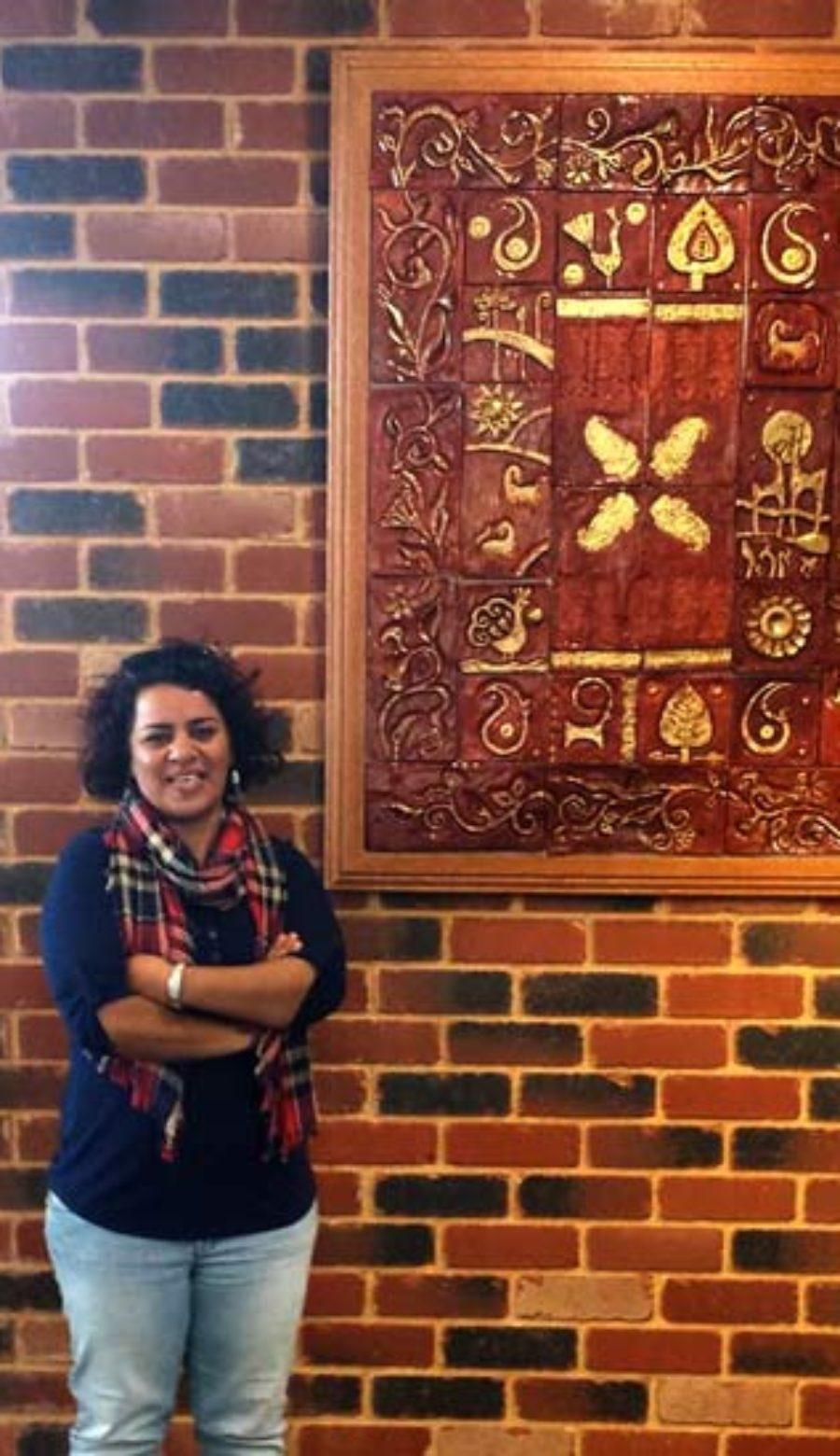 شکوفه آذر، داستان نویس، روزنامه نگار و جهانگرد