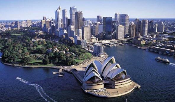 ۱.۵ میلیون ایرانی در صف مهاجرت به استرالیا و کانادا